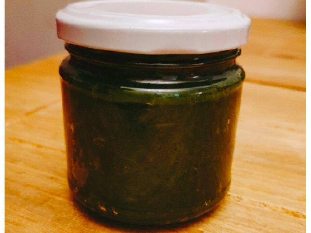 Pesto z czosnku niedźwiedziego parzonego wodą